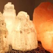 10875 lampes de sel et selenite
