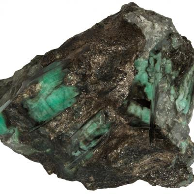 Emerald carnaiba mine bahia braziiel h16x13x8cm 2 1kg