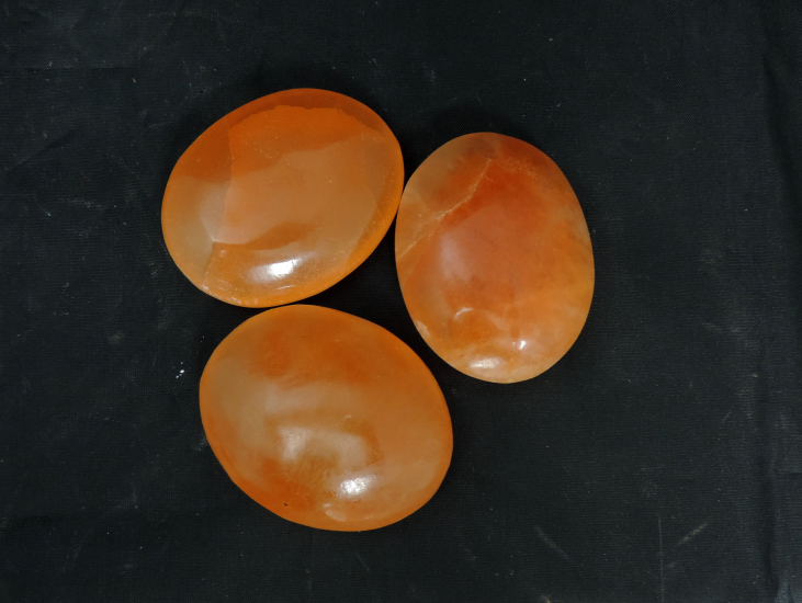 Oranje seleniet zeepsteen 7 cm