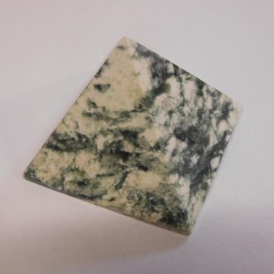 Smaragd in kwarts 65 cm