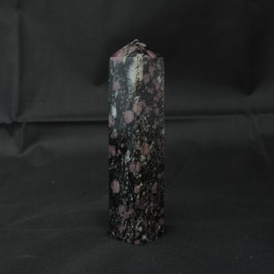 Spinel obelisk 1