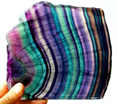 Why fluorite comes in different colors