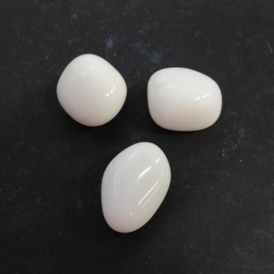 Witte jade