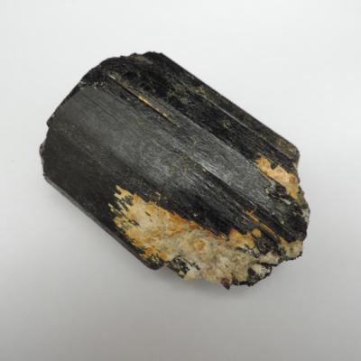 Zwarte toermalijn gekristalliseerd 1
